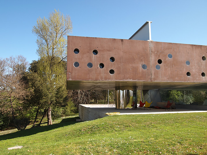 rem koolhaas' bordeaux house (exterior)