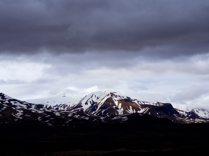thorsmork mountain peaks in iceland